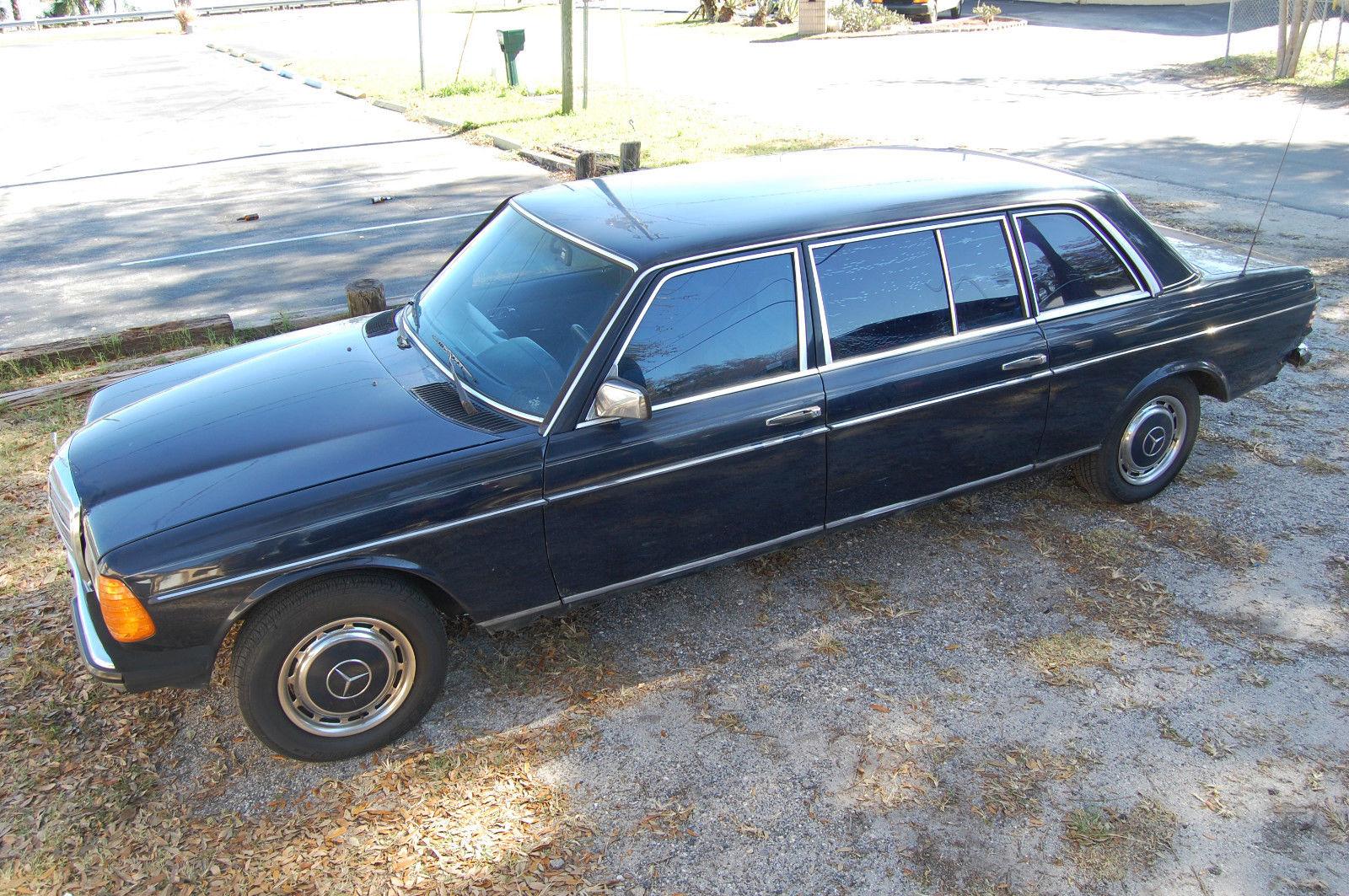 1985 mercedes 250l lange lwb limousine w123 chassis like for Mercedes benz long beach service