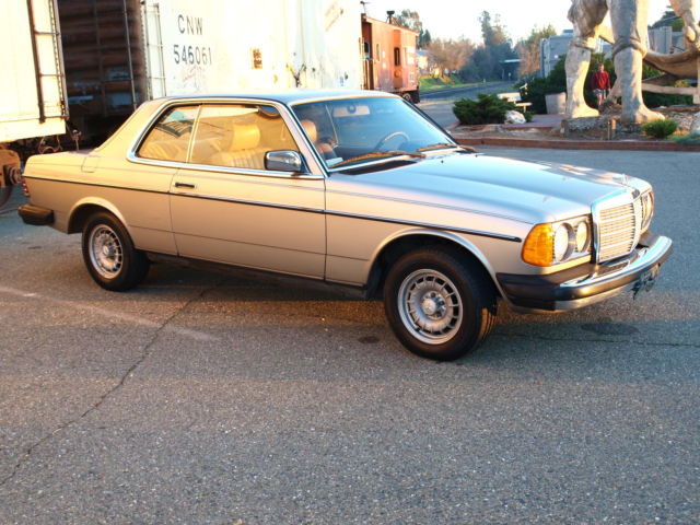 1985 Mercedes Benz 300cd Turbo Diesel Coupe w123 Low Mileage