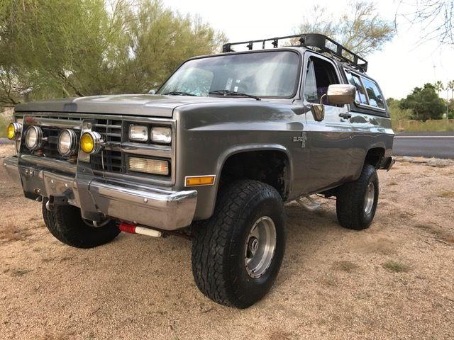 1986 Chevy Blazer K5 Silverado 4x4 6 Lift 35 Tires