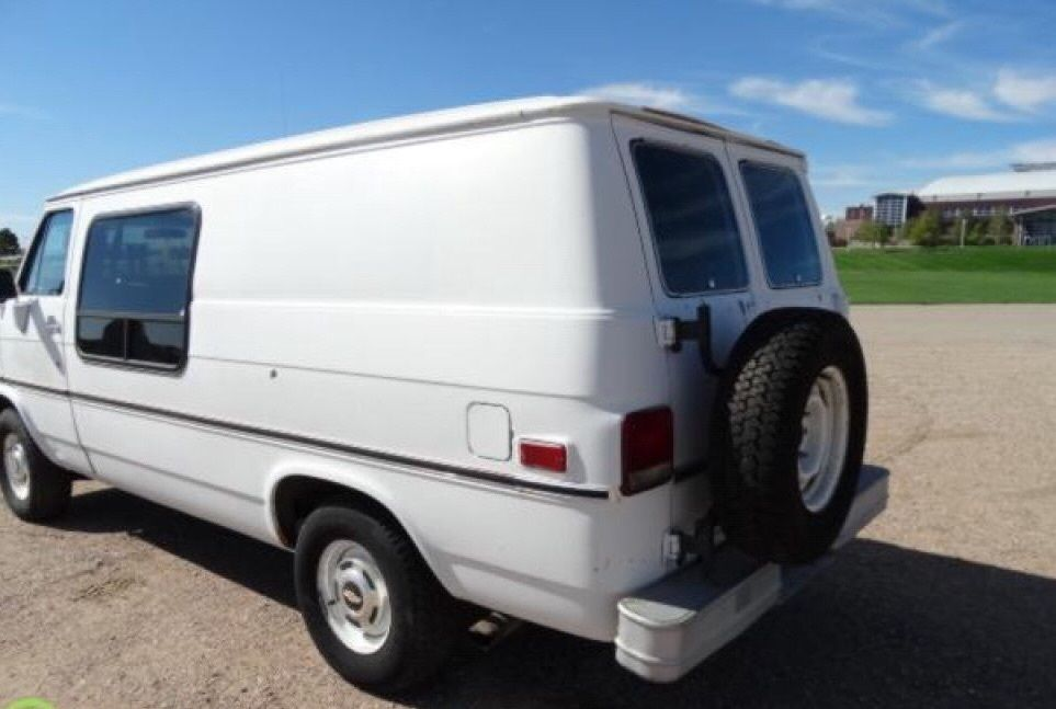 fb2f2c382e 1986 chevy g20 full size van 70