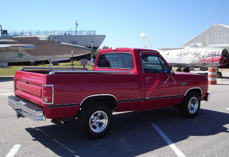 1986 Dodge D150 Base Standard Cab Pickup 2