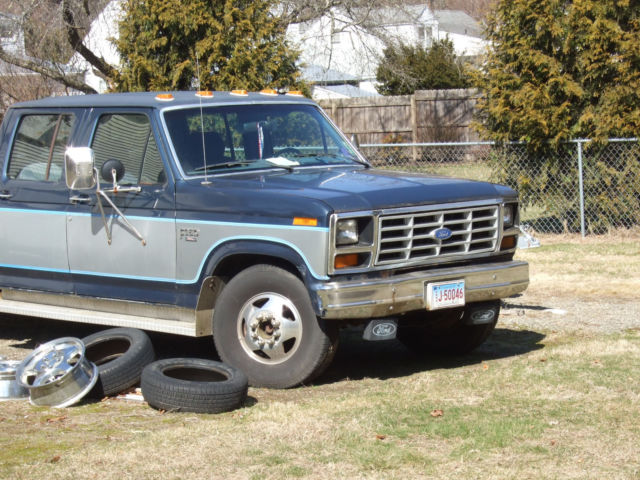 1986 ford dually crew cab pickup truck towing package 10000lbs long wheelbase. Black Bedroom Furniture Sets. Home Design Ideas