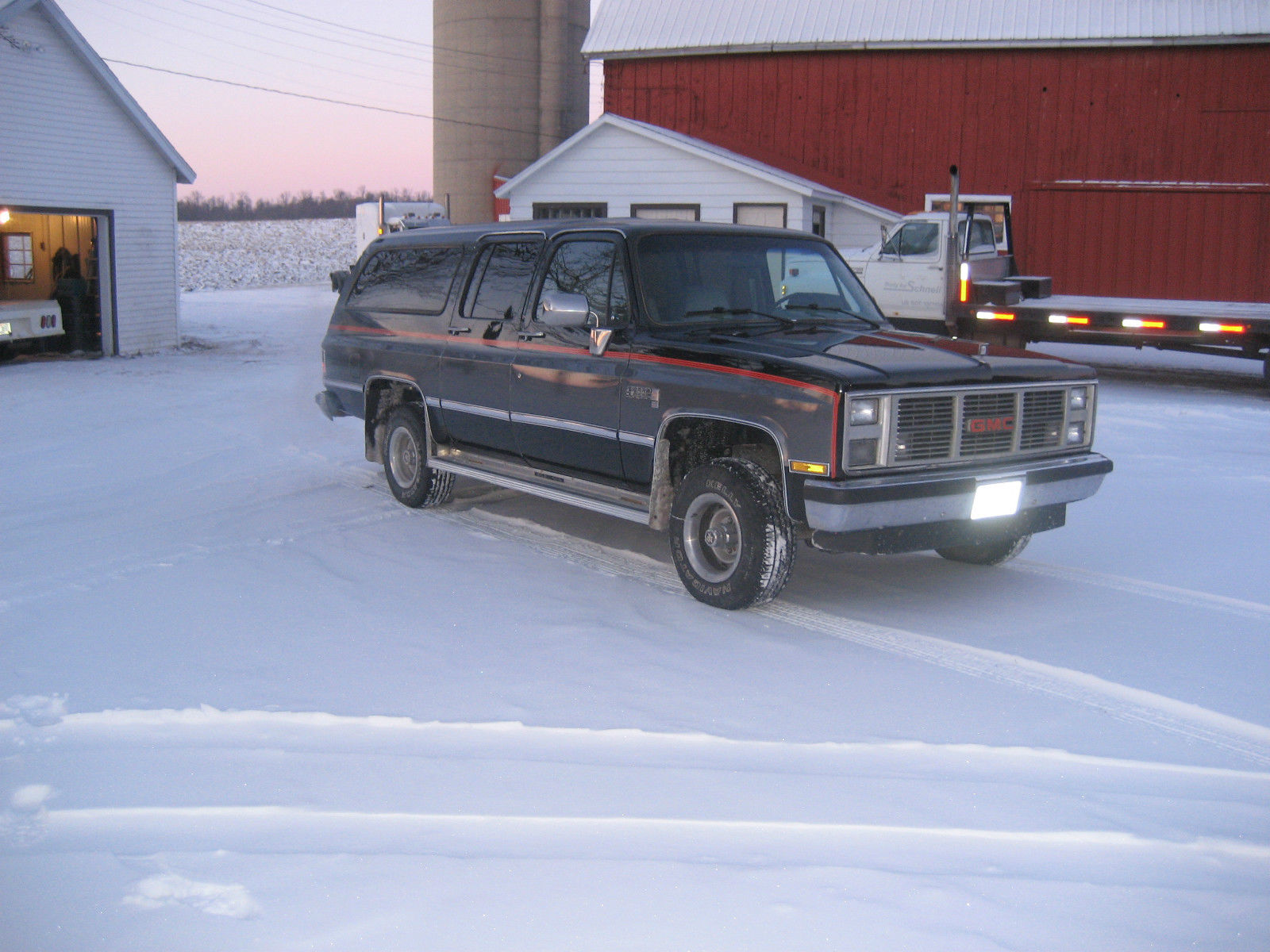 1986 gmc k1500 suburban 4x4 diesel for sale in manitowoc. Black Bedroom Furniture Sets. Home Design Ideas