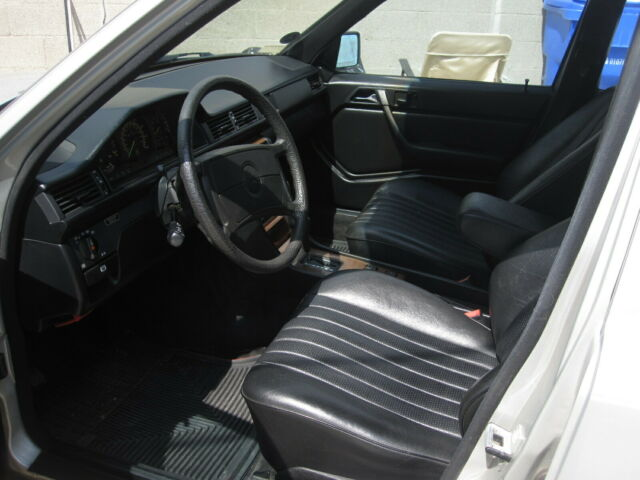 1986 mercedes 300e great car sounds great very clean all original for sale photos technical. Black Bedroom Furniture Sets. Home Design Ideas