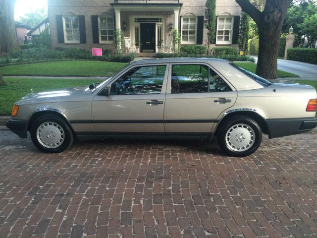 1986 Mercedes 300e Pristine 50400 Miles Garage Kept