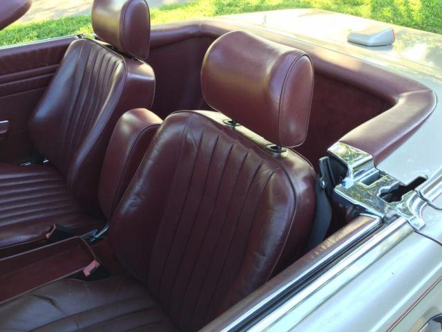 1986 mercedes benz 560sl w107 db 702 smoke silver metallic w burgundy 97k. Black Bedroom Furniture Sets. Home Design Ideas
