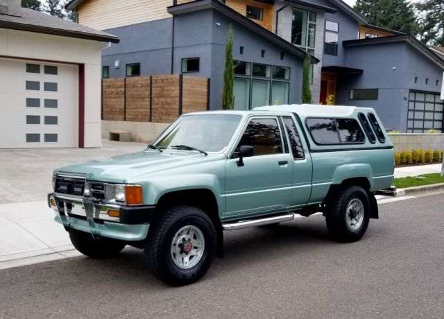 1986 toyota pick up xtra cab sr5 4x4 22re 4cyl 5 speed. Black Bedroom Furniture Sets. Home Design Ideas