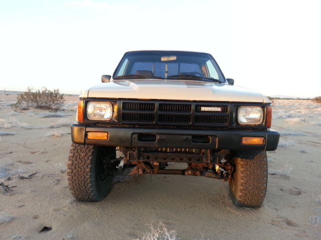 1986 toyota pickup truck 4x4 carb 22r for sale in yuma. Black Bedroom Furniture Sets. Home Design Ideas