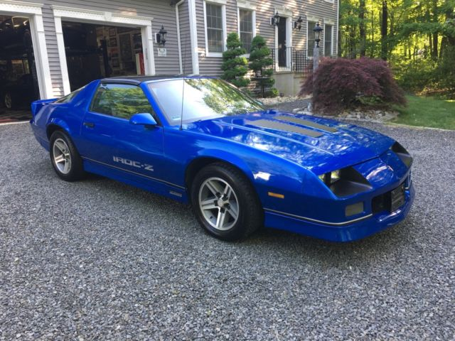 1987 camaro iroc z28 in excellent condition with. Black Bedroom Furniture Sets. Home Design Ideas