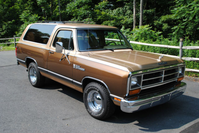1987 Dodge Ramcharger Completely Rust Free Show
