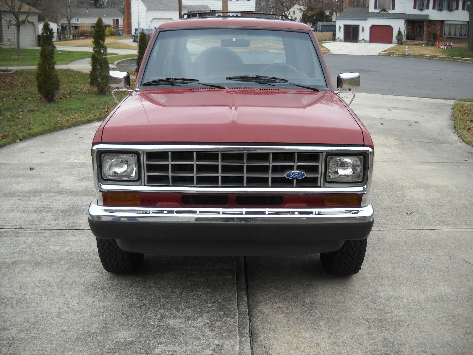 ford bronco ii xlt mint condition  sale
