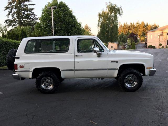 1987 gmc jimmy 4x4 2 door k5 blazer 5 7l v8 eng 39 94k miles 2 39 owner rust free. Black Bedroom Furniture Sets. Home Design Ideas