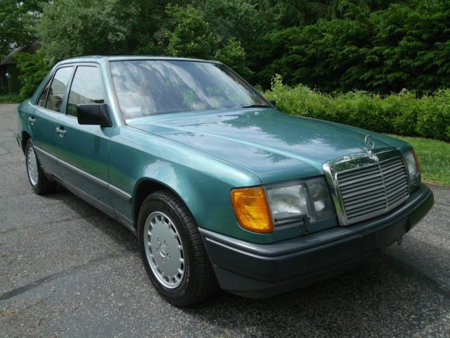 1987 mercedes 300d turbo diesel one owner 77k miles rare color combo no reserve. Black Bedroom Furniture Sets. Home Design Ideas