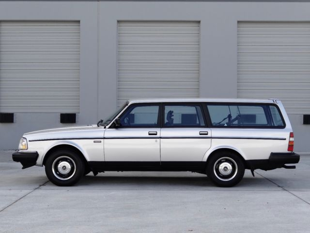 1987 volvo 240   245 dl wagon  manual   128 000 miles   1 owner from 04  08  1987 1987 Volvo 240 DL Motor 1987 Volvo 240 DL Lowered