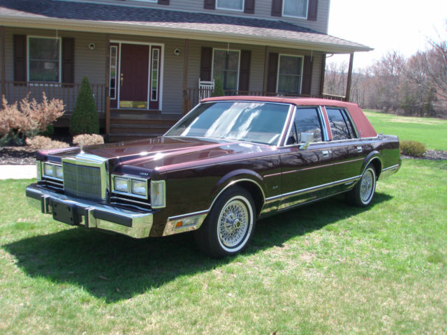 1988 lincoln town car 2 396 orig miles pristine cond as new the best for sale in warwick new. Black Bedroom Furniture Sets. Home Design Ideas