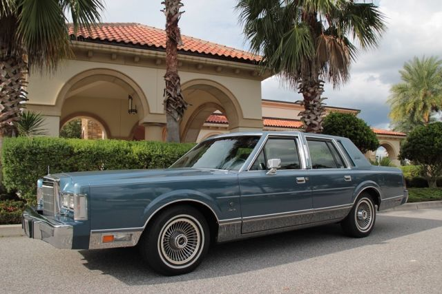1988 Lincoln Town Car Signature Series For Sale In Orlando Florida United States For Sale Photos Technical Specifications Description