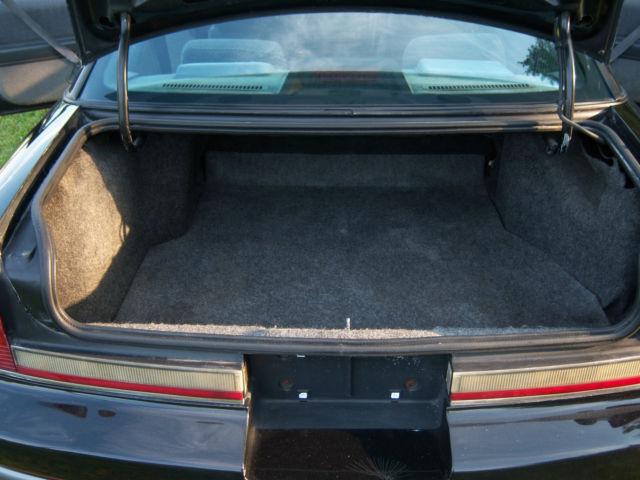 1988 oldsmobile cutlass supreme international indy pace car replica for sale in ellicott city. Black Bedroom Furniture Sets. Home Design Ideas