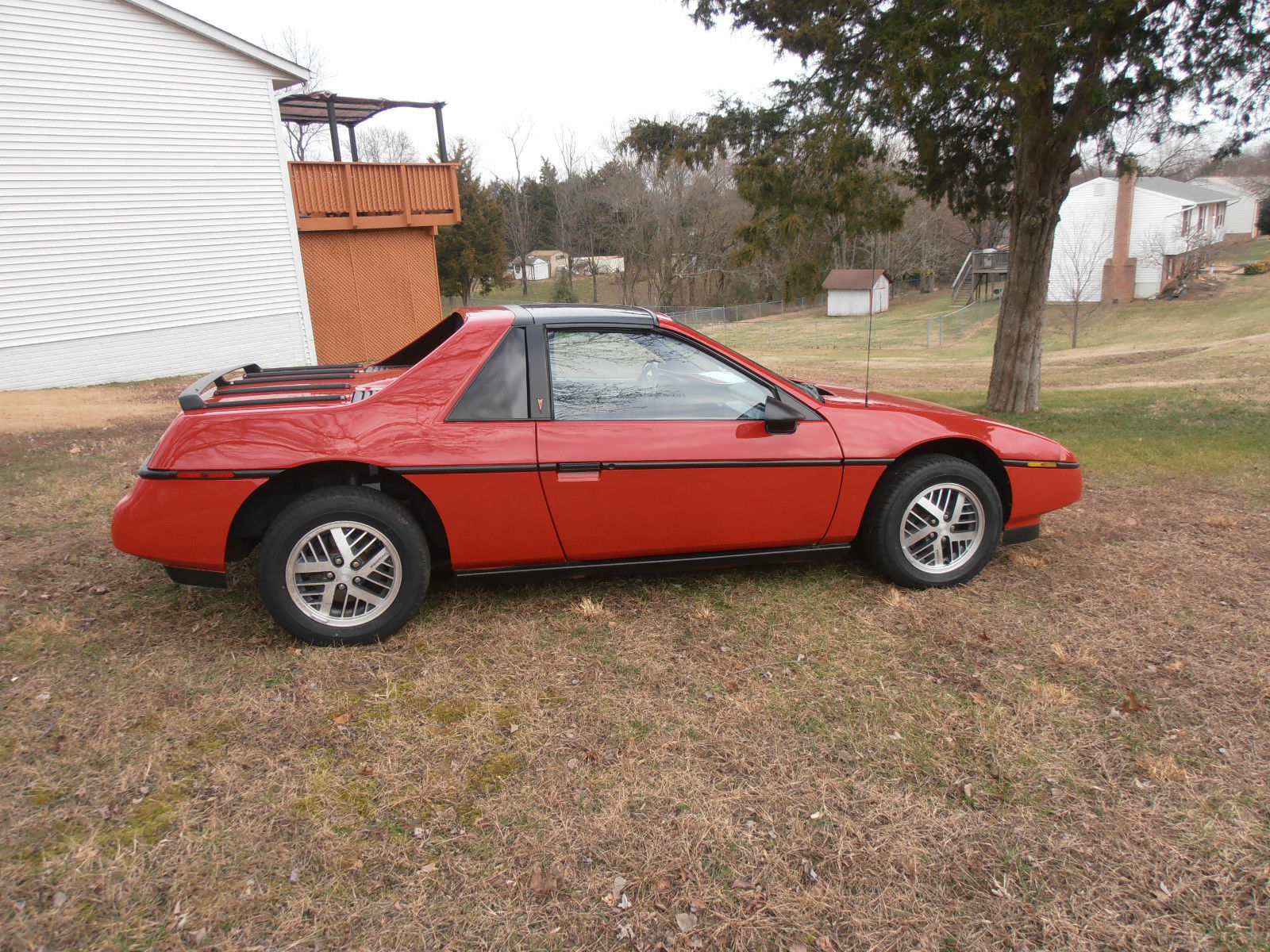 1988 pontiac fiero value leader coupe 2 door 2 5l for sale in fredericksburg virginia united. Black Bedroom Furniture Sets. Home Design Ideas