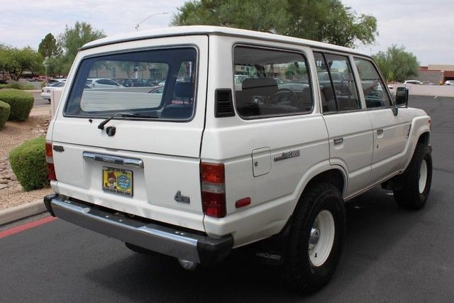 1988 toyota land cruiser 4x4 299823 miles alpine white suv 4 2l straight 6 cyl e. Black Bedroom Furniture Sets. Home Design Ideas