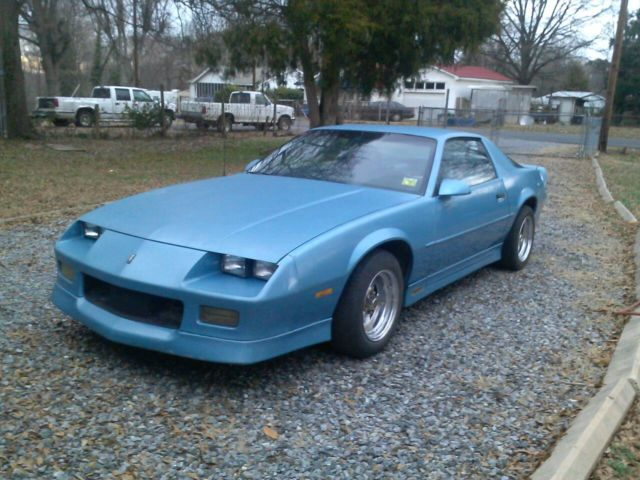 1989 chevrolet camaro rs z28 iroc z v8 5 speed for sale in gastonia north carolina united. Black Bedroom Furniture Sets. Home Design Ideas