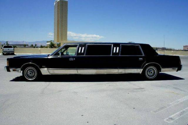 1989 Classic Lincoln Town Car Limousine