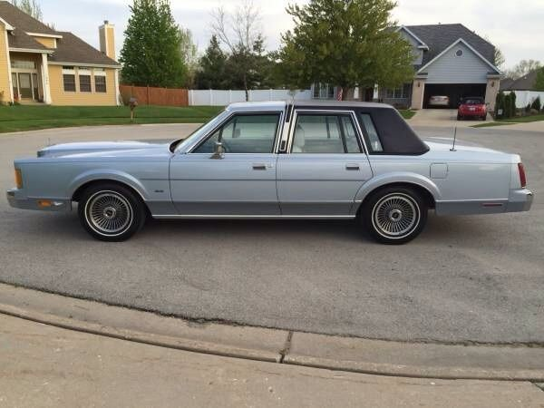 1989 lincoln town car extra clean 28k miles 1 owner for sale in lockport illinois united. Black Bedroom Furniture Sets. Home Design Ideas