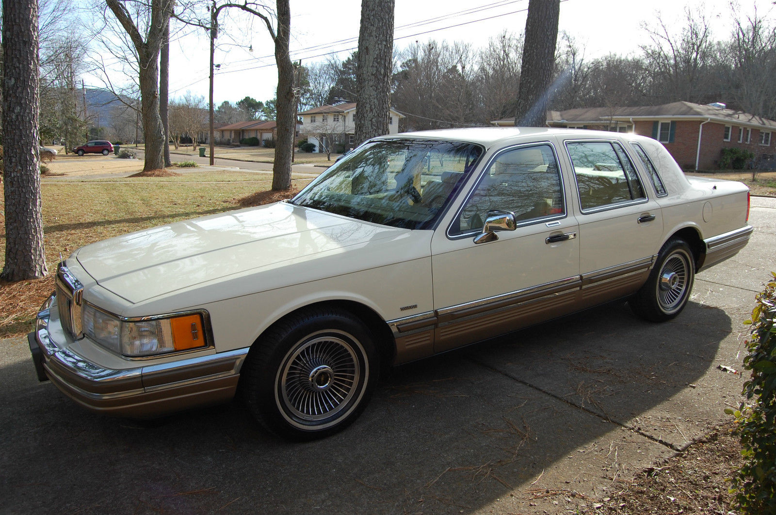 1990 lincoln town car 55 600 miles one owner for sale in. Black Bedroom Furniture Sets. Home Design Ideas