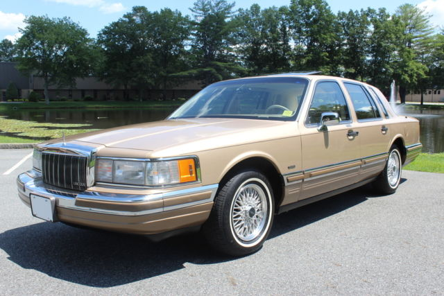 1990 Lincoln Town Car Signature Series 63k Miles 1 Owner California