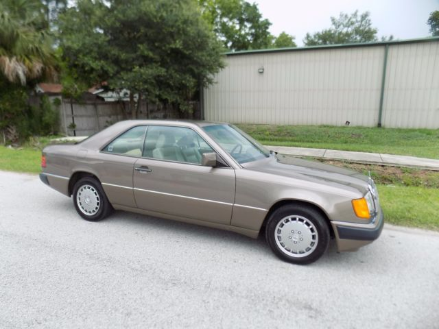 1990 mercedes 300 ce coupe rare 2 owner car beautiful color combo 56 k mi wow. Black Bedroom Furniture Sets. Home Design Ideas