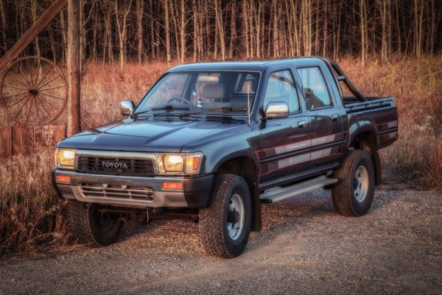 1990 Toyota Hilux 4wd Double Cab Diesel Jdm Ln106 Pickup