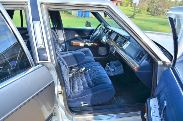 1991 mercury grand marquis new silver paint job with dark blue vinyl trim. Black Bedroom Furniture Sets. Home Design Ideas