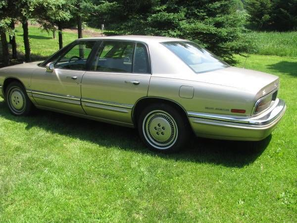 1992 buick park avenue ultra supercharged rare excellent condition for sale in portsmouth. Black Bedroom Furniture Sets. Home Design Ideas