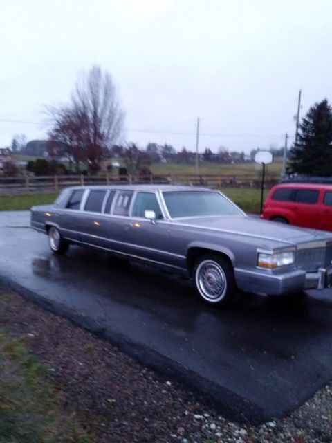1992 Cadillac Fleetwood Brougham Superior Limo 50 000
