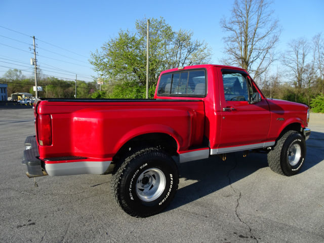1992 ford f 150 custom reg cab flareside 4wd only 126k 5 8 automatic must see. Black Bedroom Furniture Sets. Home Design Ideas
