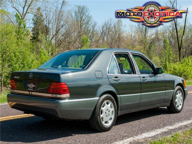 1992 mercedes benz 400se sedan owned by chubby checker for Mercedes benz 400 se