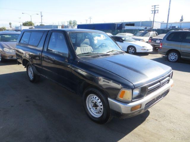 1992 toyota truck used 2 4l i4 manual pickup truck no reserve. Black Bedroom Furniture Sets. Home Design Ideas