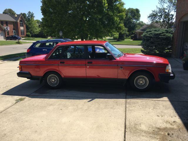 1992 volvo 240 red