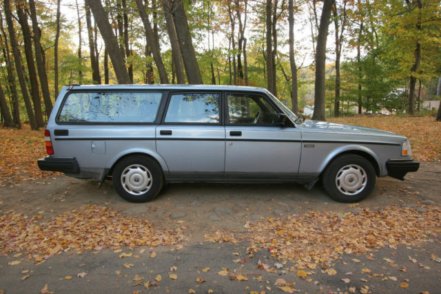 1992 volvo station wagon 240 dl used runs rare color nice condition more for sale in new york. Black Bedroom Furniture Sets. Home Design Ideas