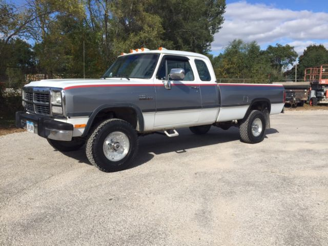 1993 Dodge W250 4x4 Cummins Turbo Diesel Extended Cab