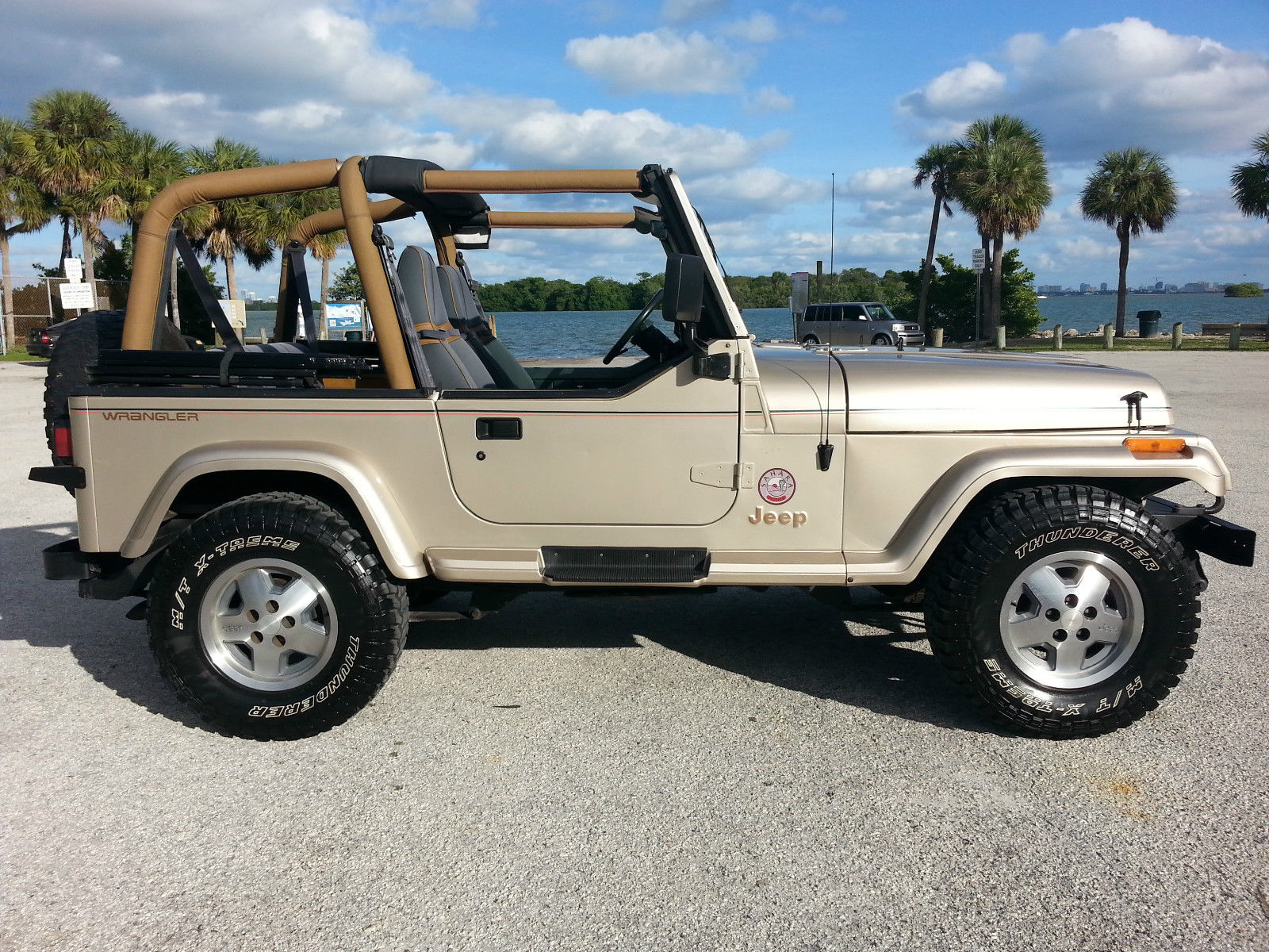 1993 jeep wrangler sahara sport utility 2 door 4 0l one owner florida jeep for sale in miami. Black Bedroom Furniture Sets. Home Design Ideas