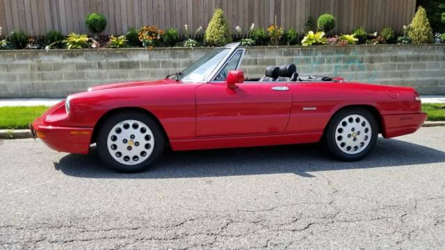 ALFA ROMEO SPIDER VELOCE CONVERTIBLE COMMEMORATIVE EDITION - 1994 alfa romeo spider
