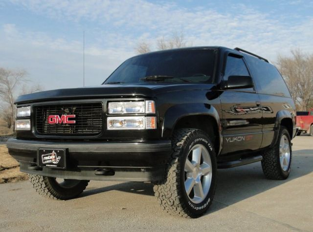 1994 gmc yukon gt 273675 miles black suv 5 7 liter v8 4. Black Bedroom Furniture Sets. Home Design Ideas