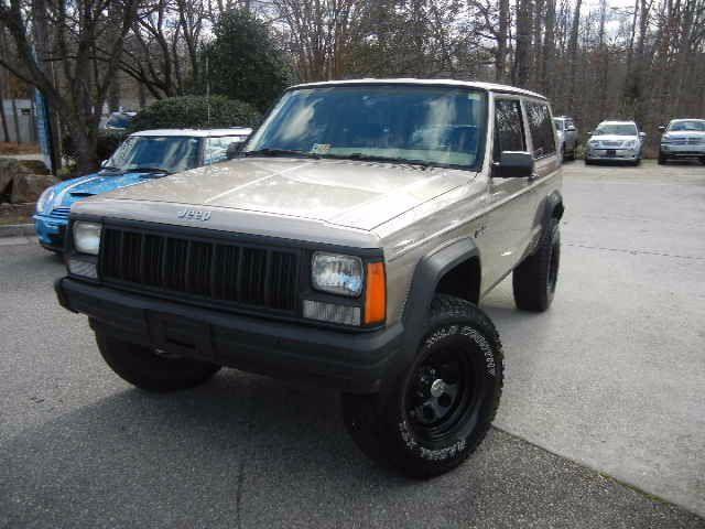 1994 jeep cherokee se 2 door 4wd135 382 miles tan sport utility 2 dr 4 0l l6 ohv. Black Bedroom Furniture Sets. Home Design Ideas