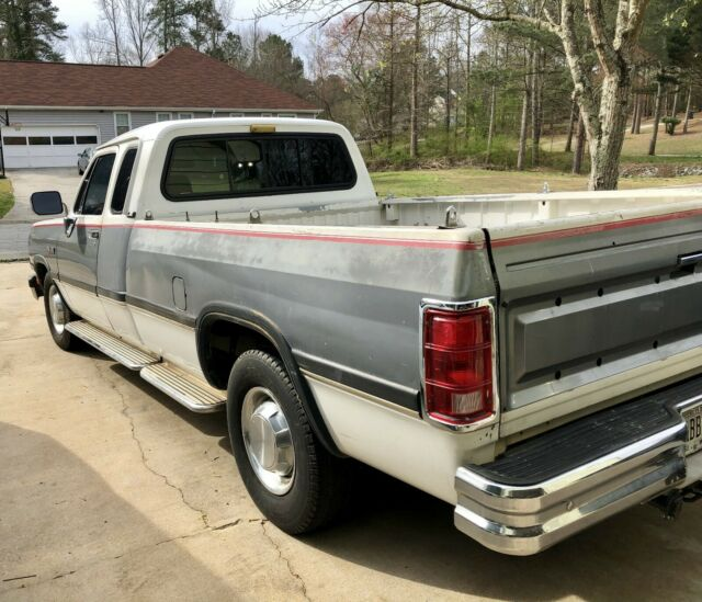1st Gen Cummins- 1992 Dodge D250 Club Cab LE For Sale