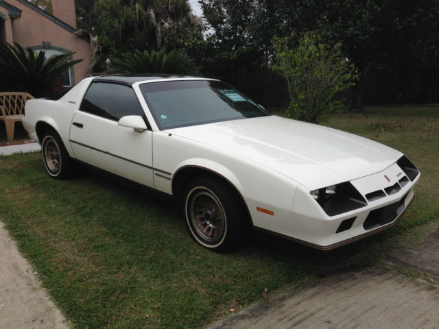Antique 1983 Chevrolet Camaro Berlinetta 19000 Miles For