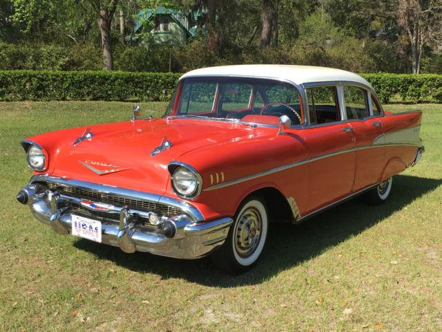 Beautiful original red white 1957 chevrolet belair 4 door for 1956 chevy 4 door sedan