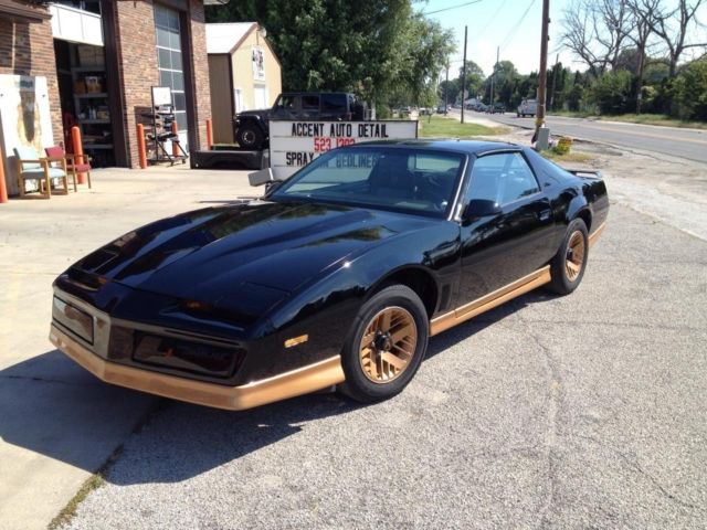 black and gold t top pontiac trans am 1984 for sale photos technical specifications description classiccardb com