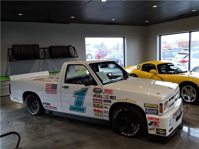 Chevrolet S-10 Nascar Replica Tribute Race Truck White 350 ...
