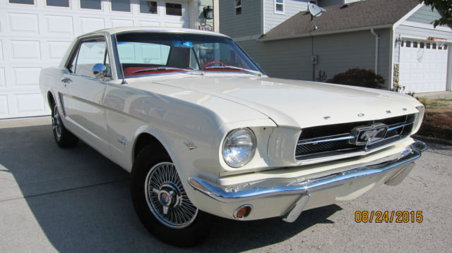 Classic 1964 1  2 Ford Mustang 260v8 Wimbledon White Wire