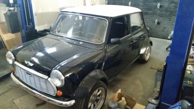 Classic mini cooper 1981 with a D16 vtec conversion for sale in
